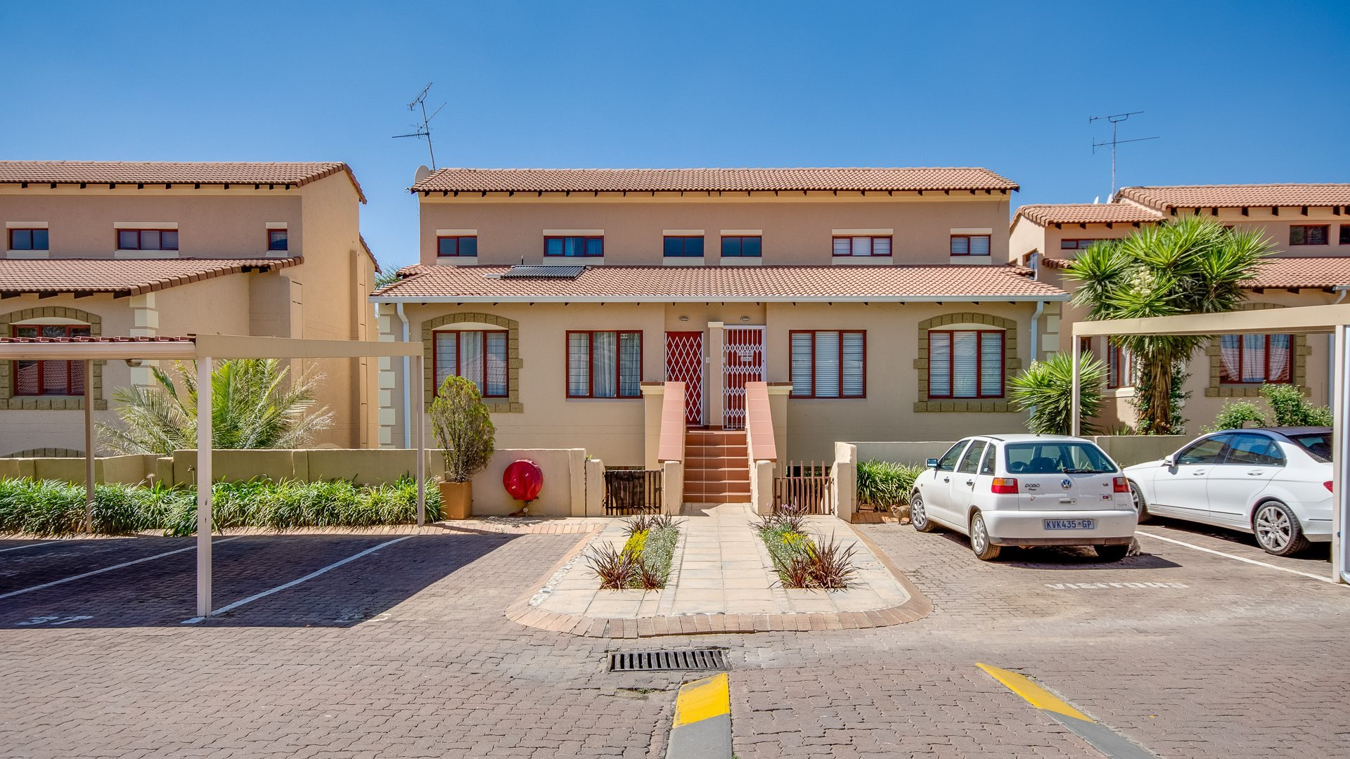 Sandringham property for sale. Ref No: 13545448. Picture no 12