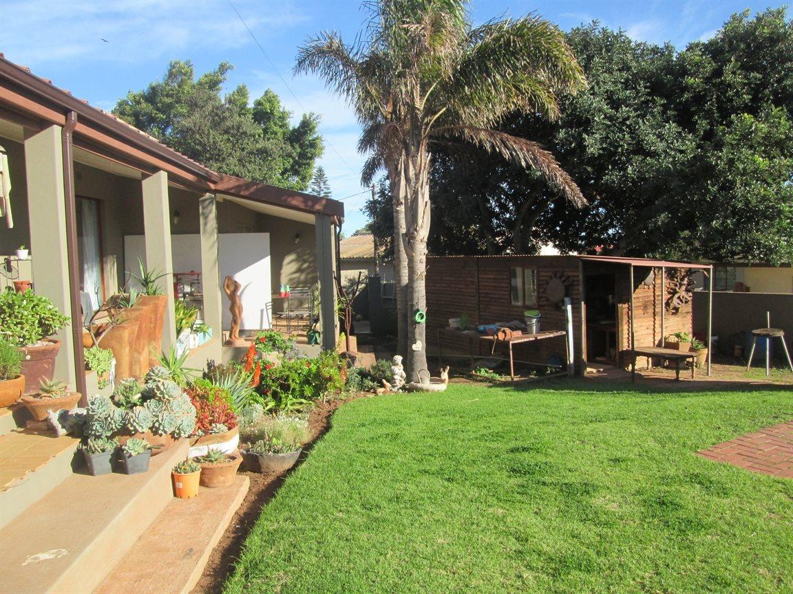 Vredenburg property for sale. Ref No: 13353056. Picture no 8