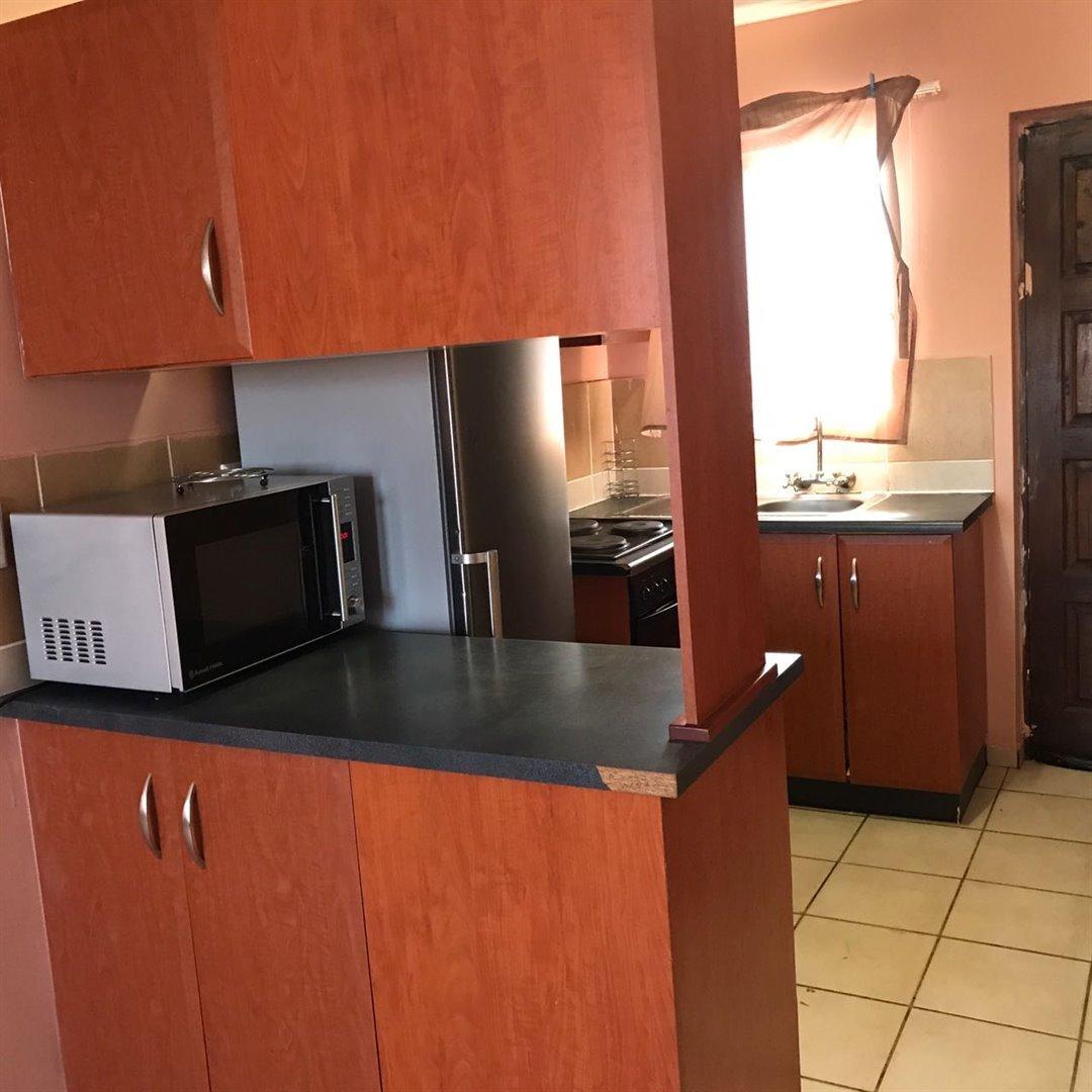 Brackenham property for sale. Ref No: 13481259. Picture no 3