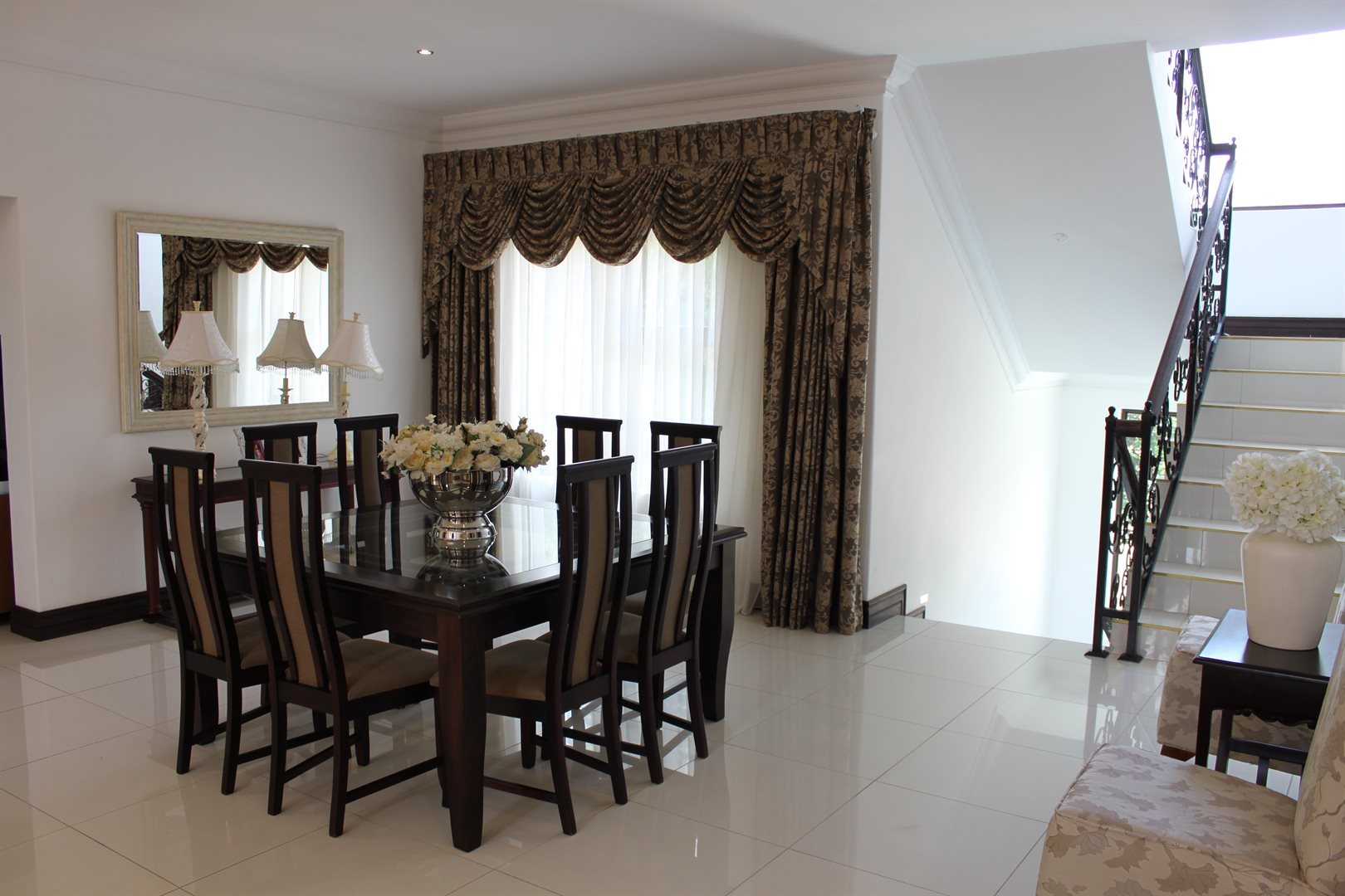 Waterkloof Ridge property for sale. Ref No: 13565299. Picture no 4