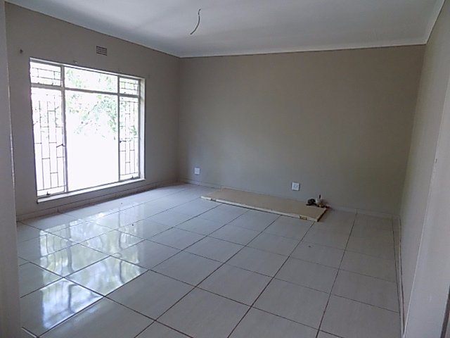 Naturena property for sale. Ref No: 13552045. Picture no 15