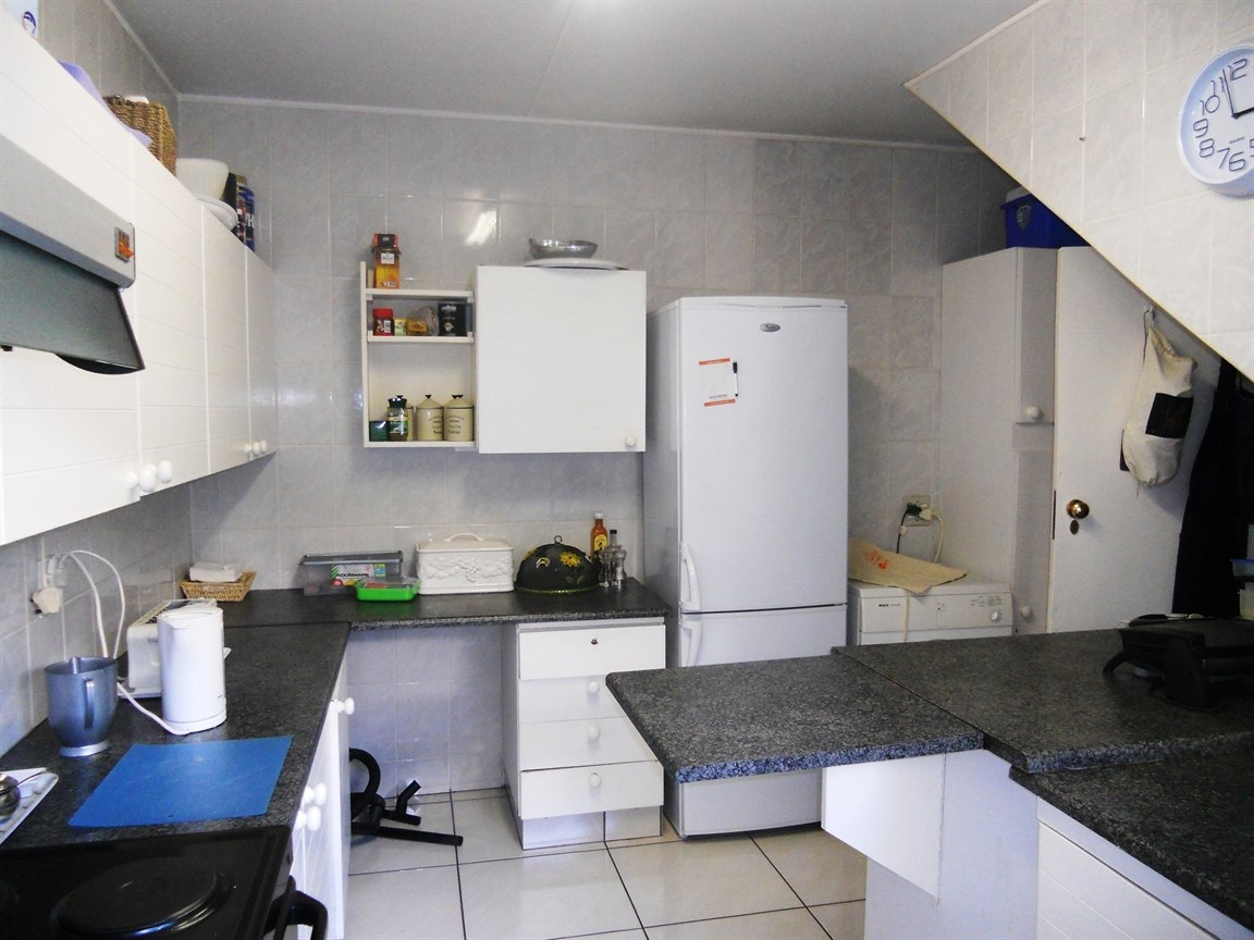 Bryanston property to rent. Ref No: 13526021. Picture no 7