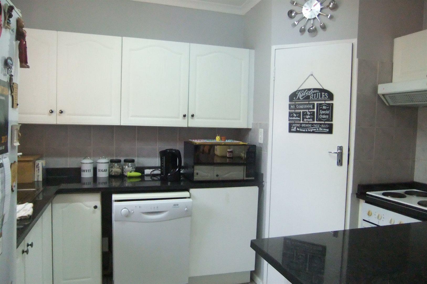 Doornpoort property for sale. Ref No: 13529208. Picture no 6