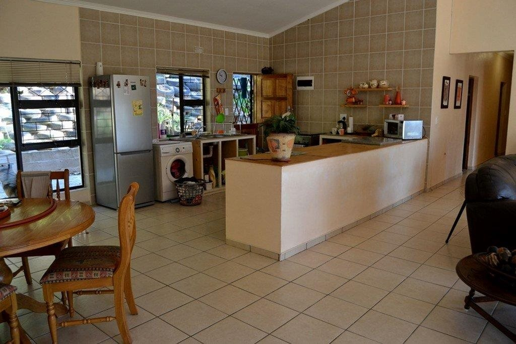 Hibberdene property for sale. Ref No: 13231211. Picture no 21