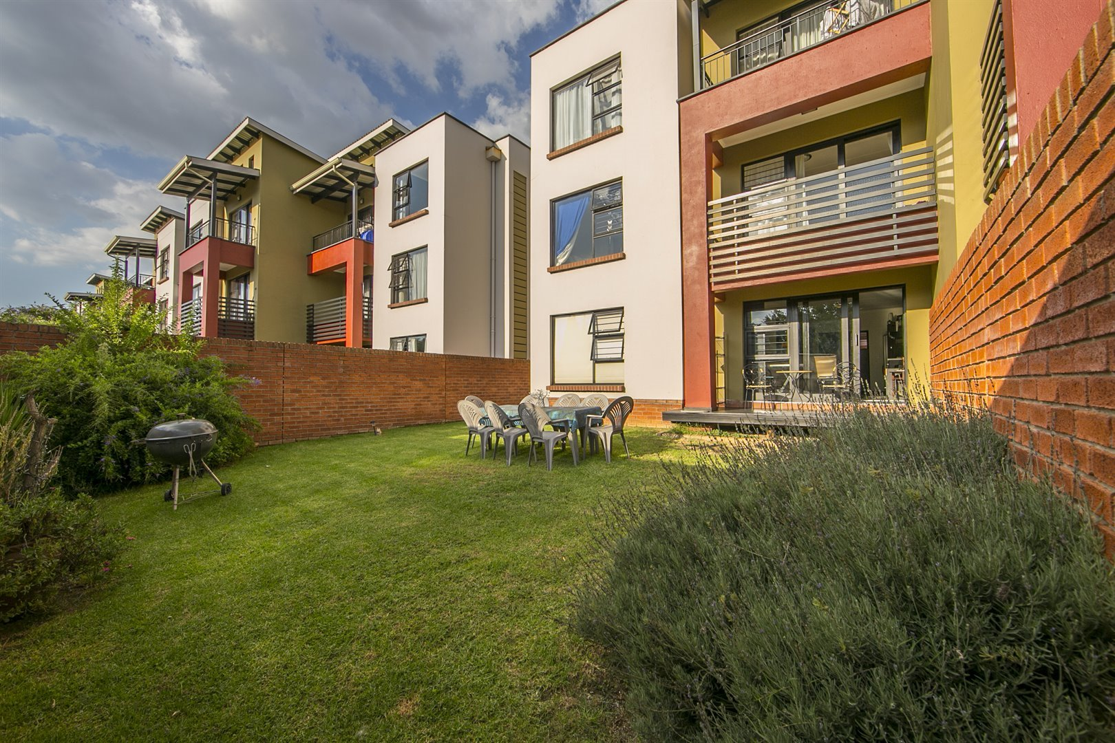 Sandton, Douglasdale Property  | Houses For Sale Douglasdale, Douglasdale, Apartment 2 bedrooms property for sale Price:999,000