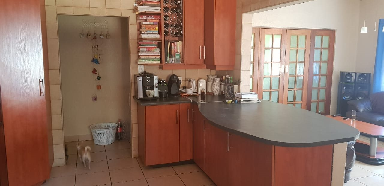 Dalview property for sale. Ref No: 13696599. Picture no 10
