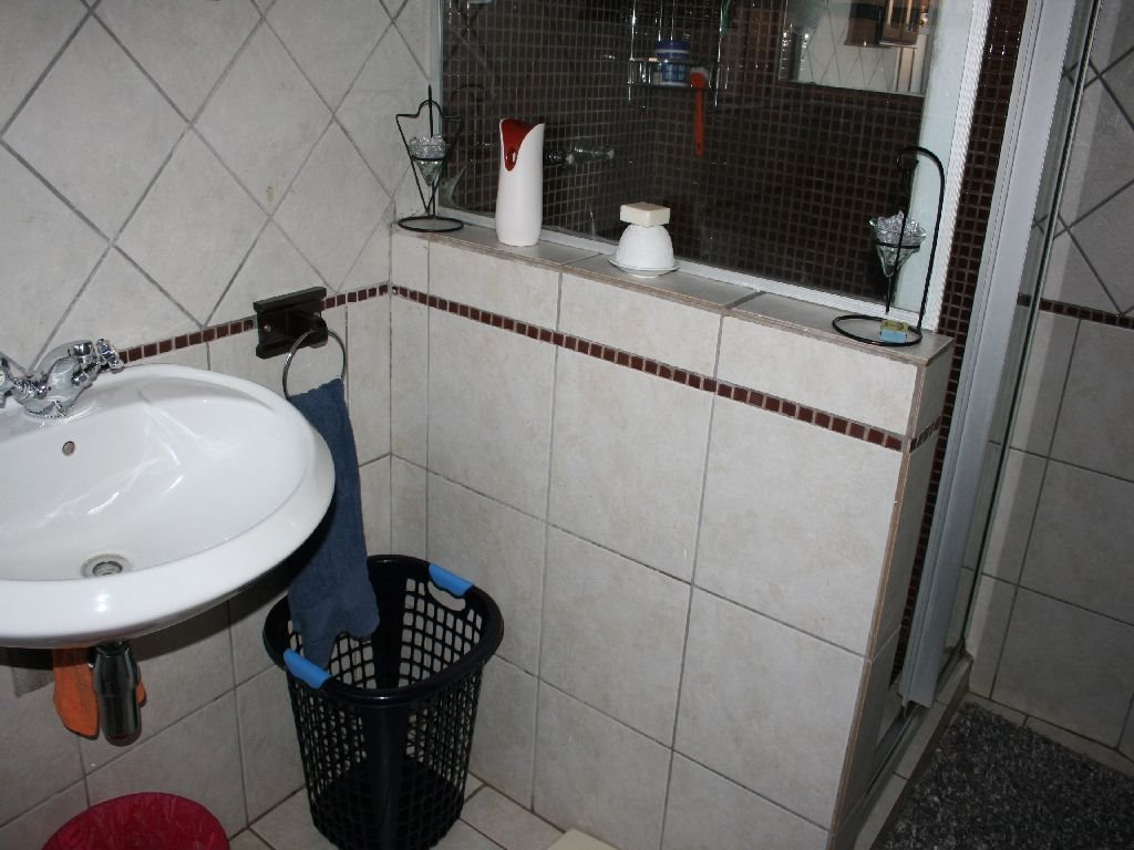 Eike Park property for sale. Ref No: 13488279. Picture no 15