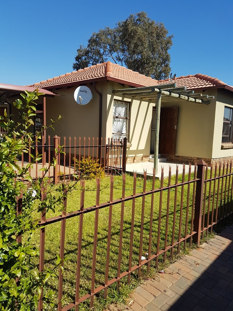 Pretoria, Heatherview Property    Houses For Sale Heatherview, Heatherview, Townhouse 2 bedrooms property for sale Price:626,000