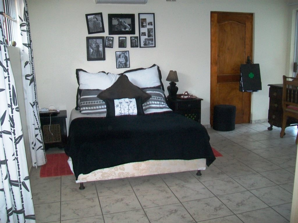 Uvongo property for sale. Ref No: 12759466. Picture no 7