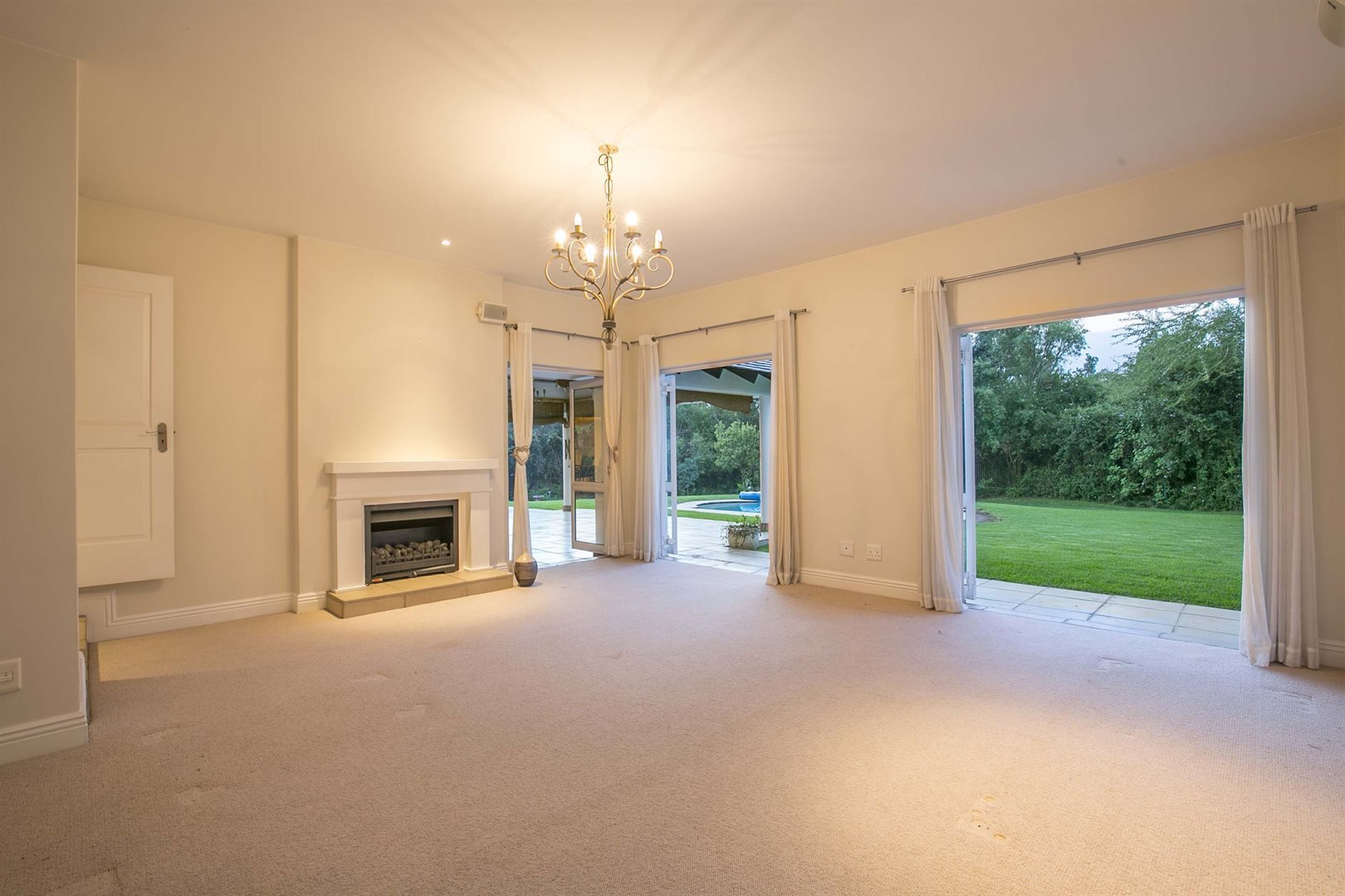 Dainfern Golf Estate property for sale. Ref No: 13474180. Picture no 3