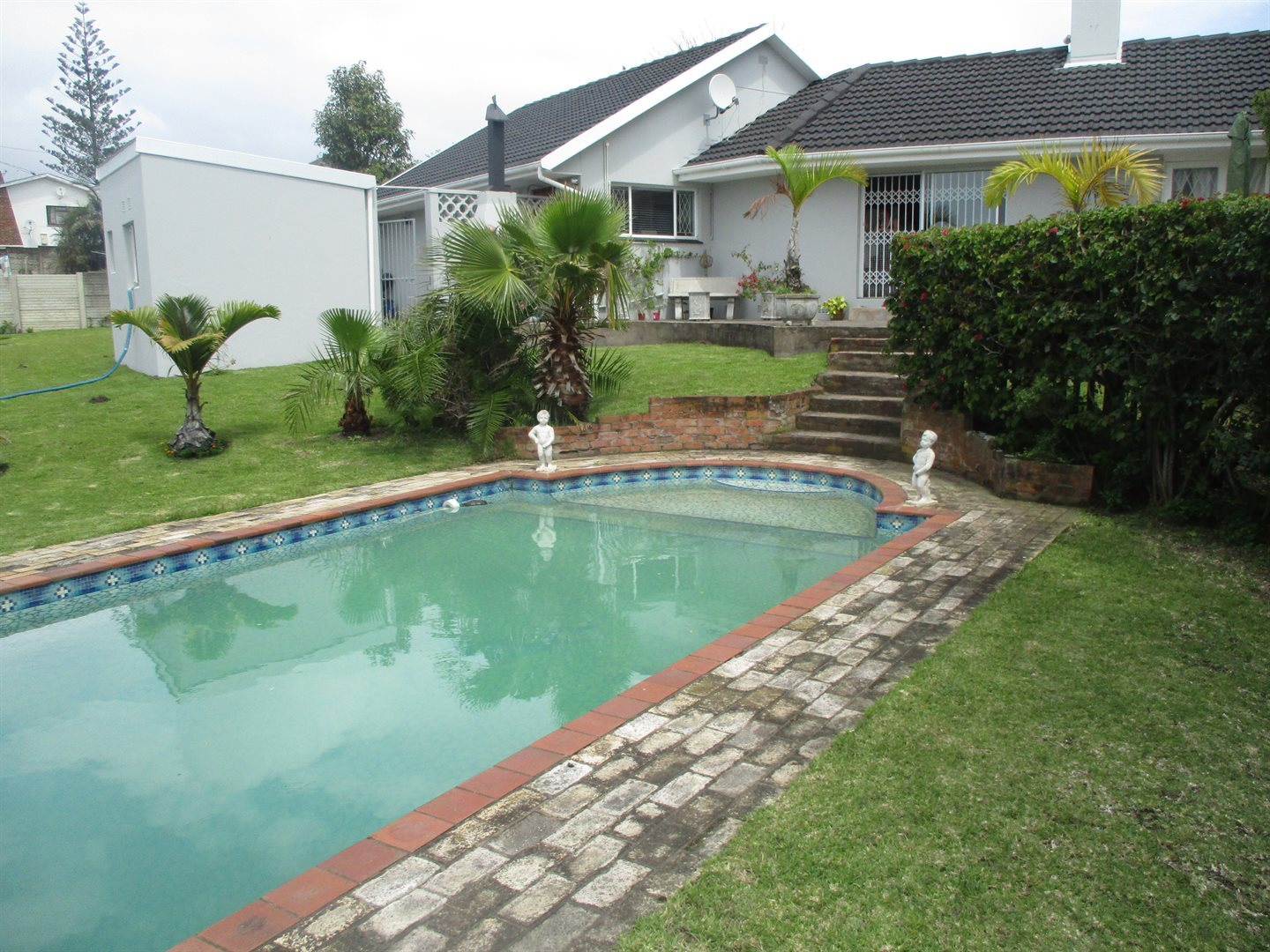 Property for Sale by DLC INC. ATTORNEYS Graham Hodson, House, 3 Bedrooms - ZAR 1,850,000