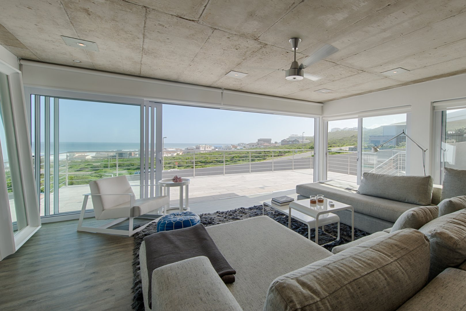 Yzerfontein property for sale. Ref No: 13623512. Picture no 10