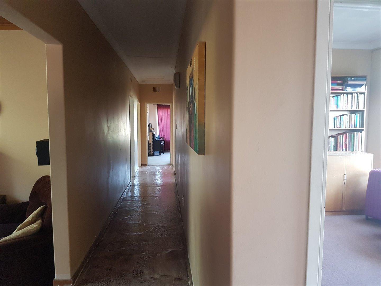Risiville property for sale. Ref No: 13466641. Picture no 10