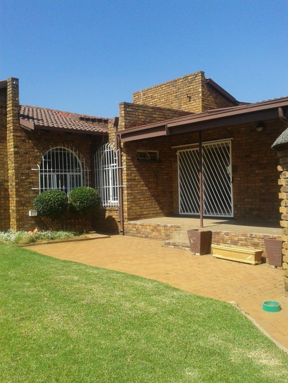Elandshaven property to rent. Ref No: 13578534. Picture no 18