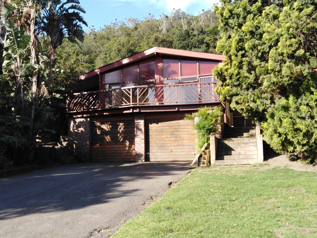 Property and Houses to rent in Eastern Cape, House, 4 Bedrooms - ZAR , 16,00*,M
