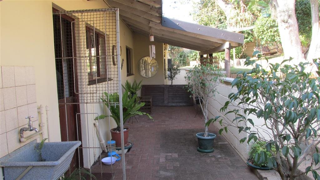Shelly Beach property for sale. Ref No: 13361053. Picture no 26