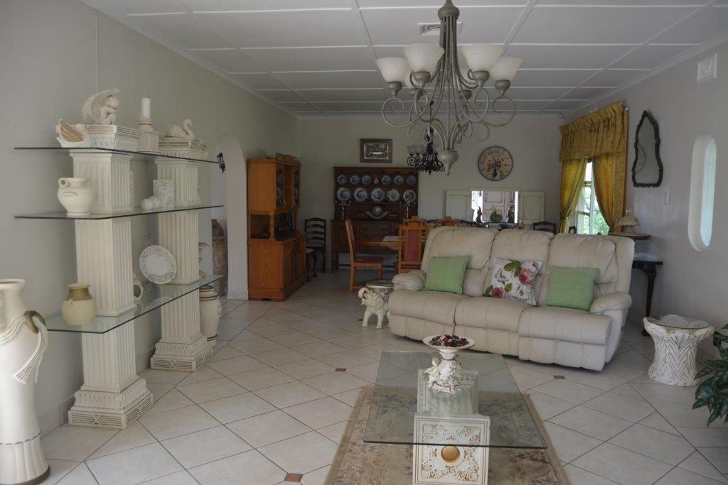 Uvongo property for sale. Ref No: 13323562. Picture no 16