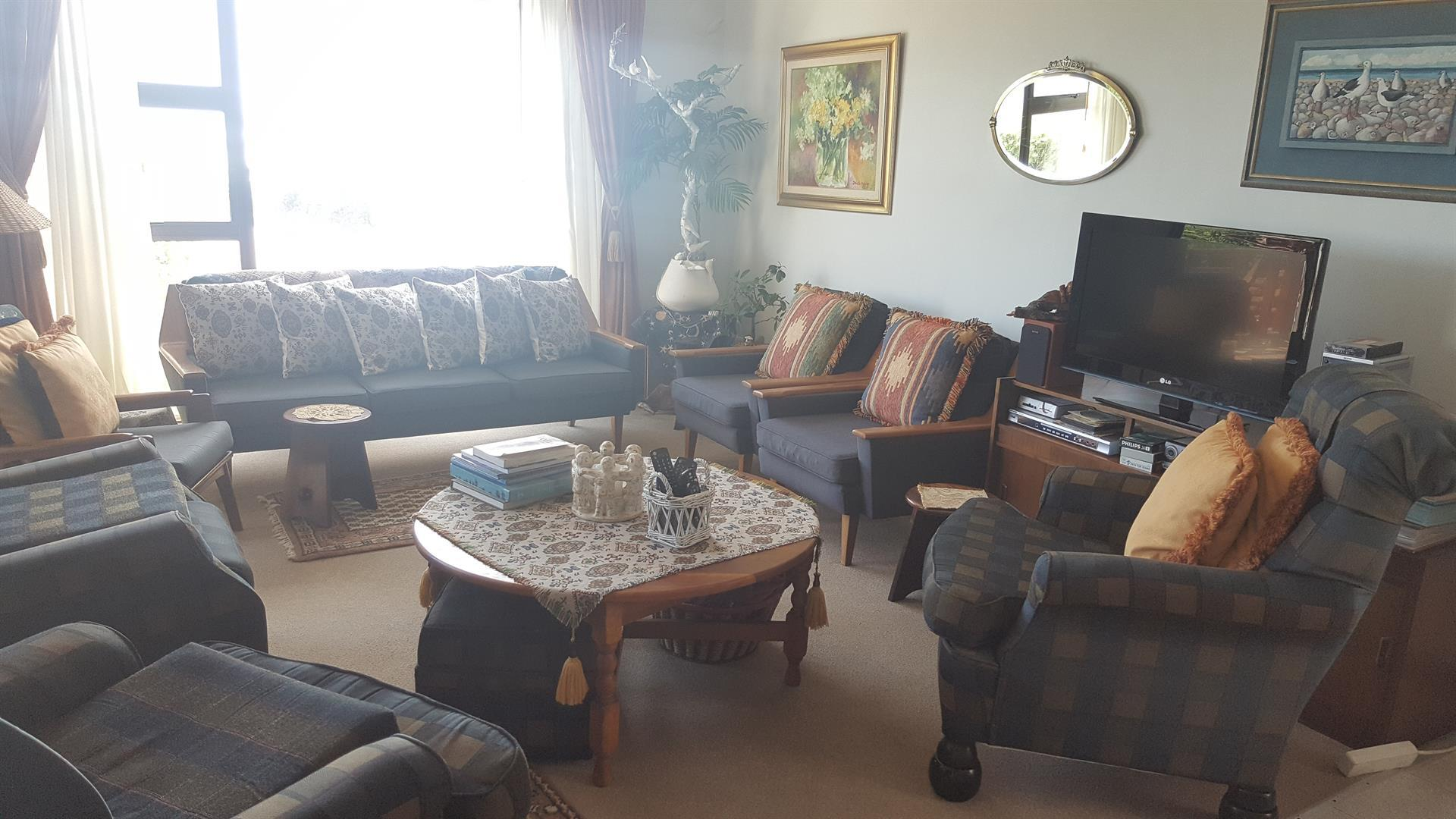 Yzerfontein property for sale. Ref No: 13454155. Picture no 10