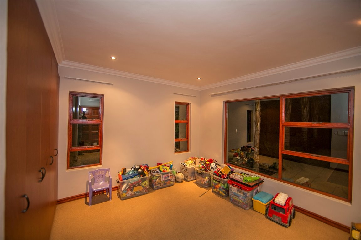 Fernbrook Estate property for sale. Ref No: 13399584. Picture no 19