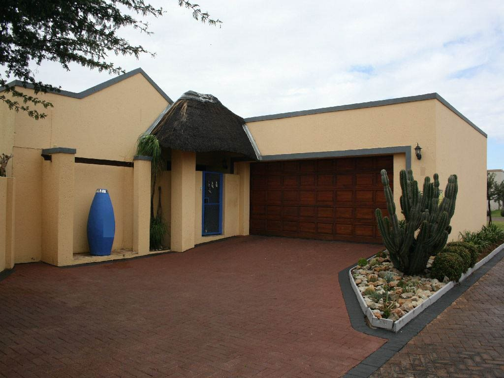 Randfontein, Eike Park Property  | Houses For Sale Eike Park, Eike Park, Townhouse 3 bedrooms property for sale Price:980,000