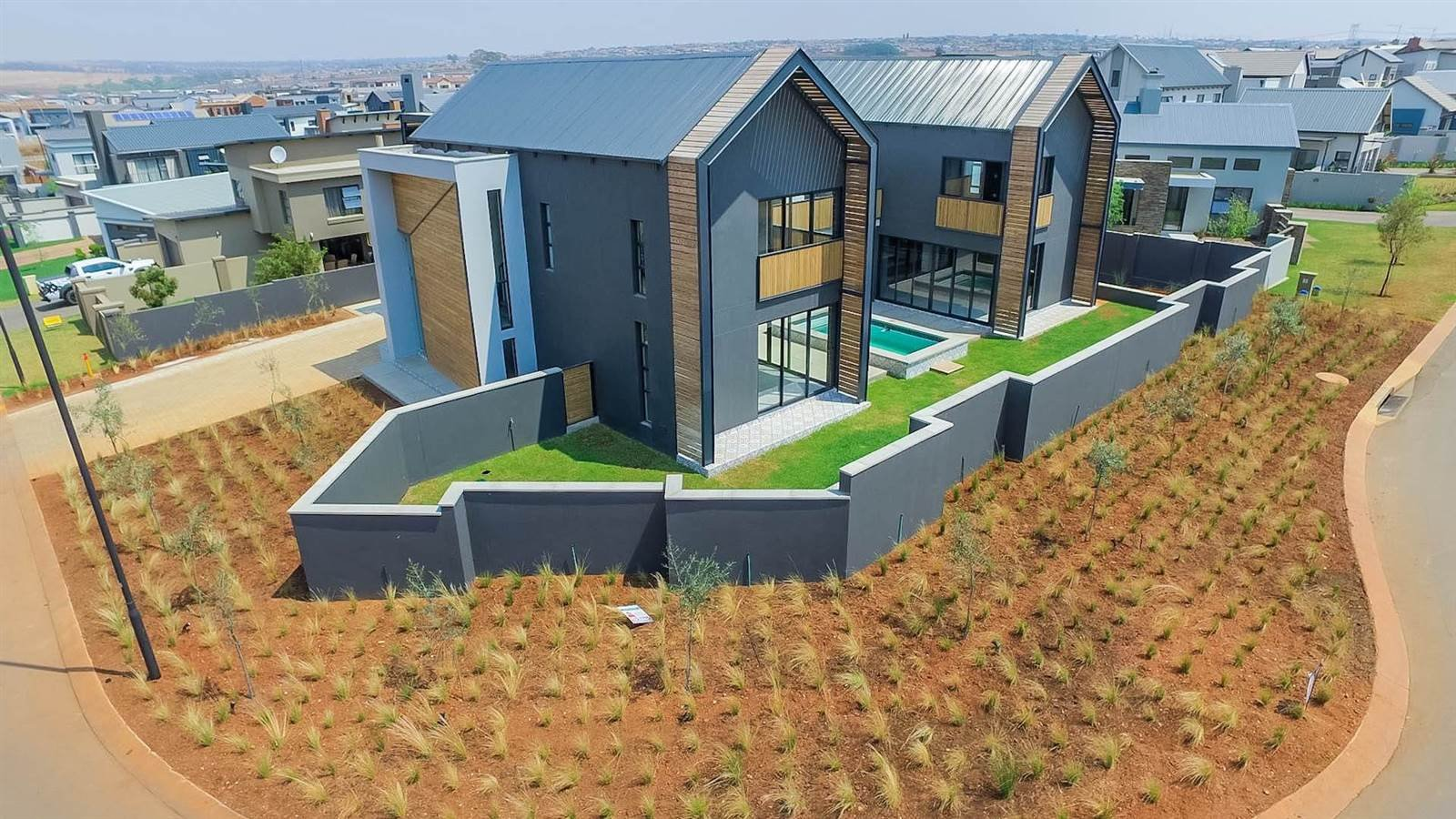 Property and Houses for sale in Midstream Ridge Estate, House, 4 Bedrooms - ZAR 7,520,000