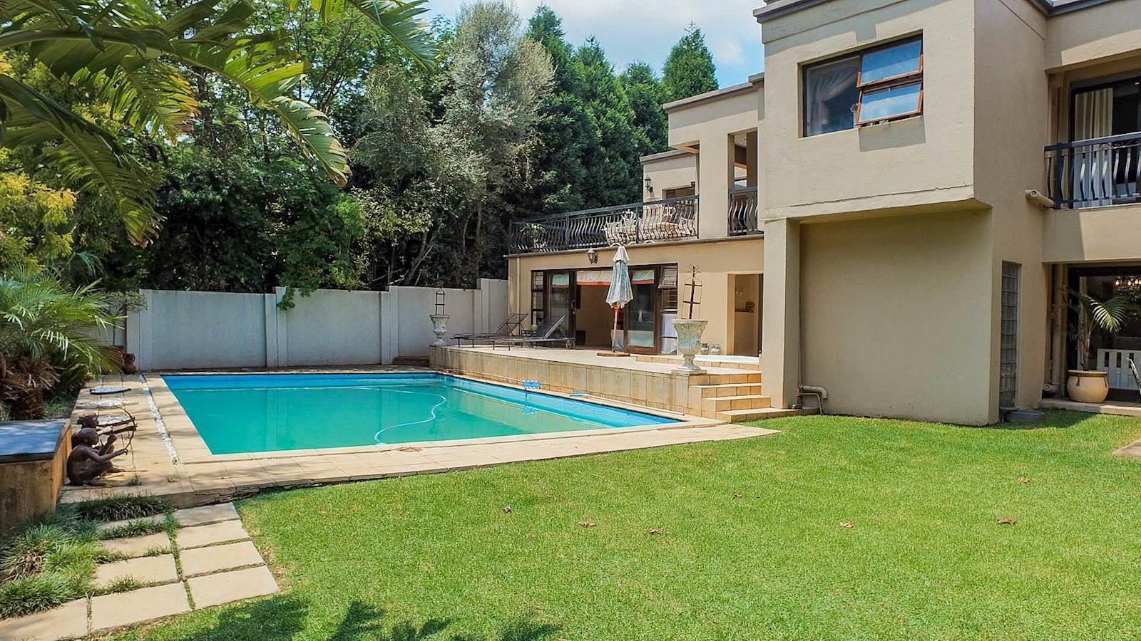 Northcliff property for sale. Ref No: 13440137. Picture no 13