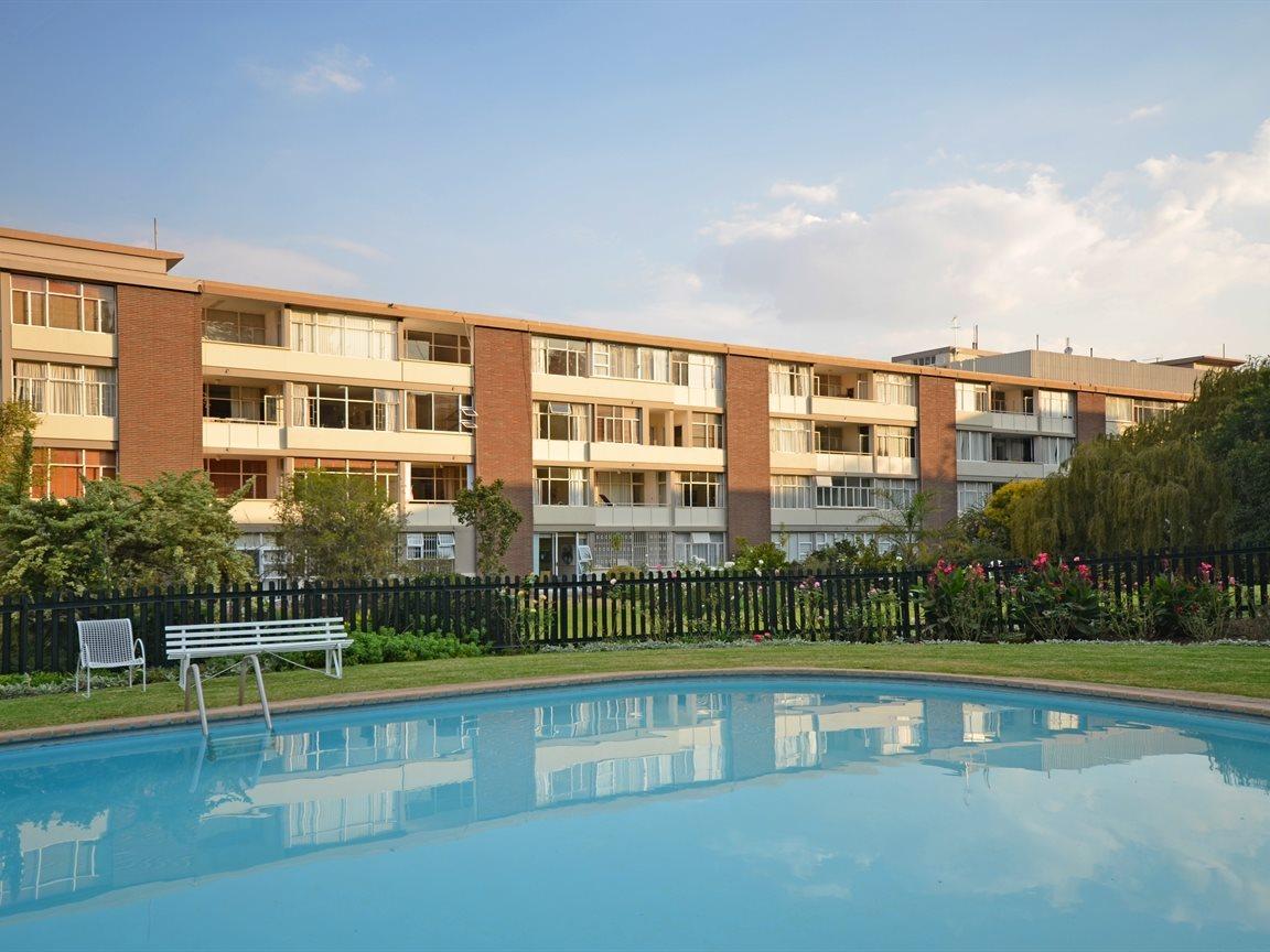 Illovo property for sale. Ref No: 13390504. Picture no 8