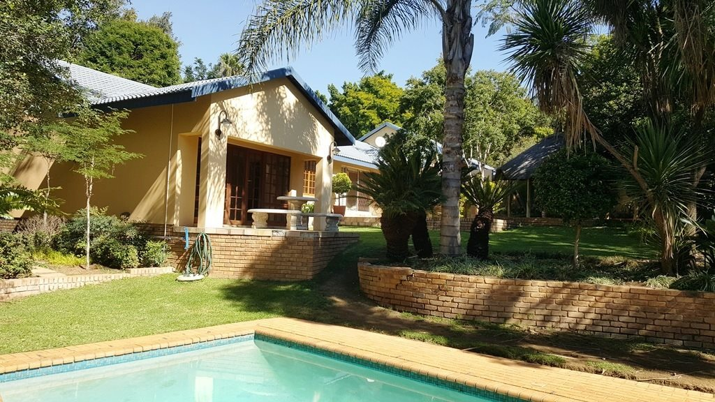 Property and Houses for sale in Moreletapark, House, 3 Bedrooms - ZAR 2,630,000