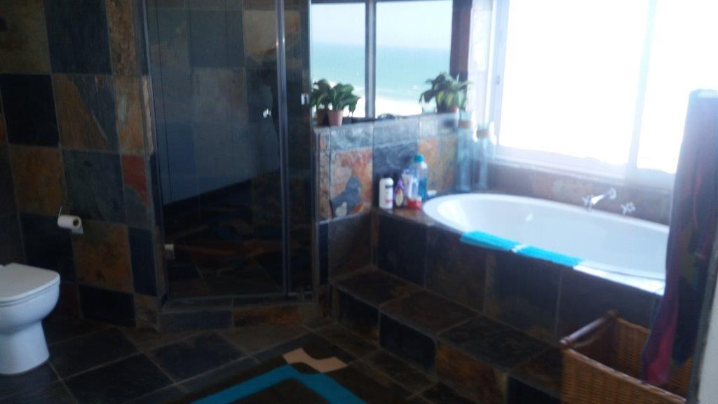 Amanzimtoti property for sale. Ref No: 13459510. Picture no 22