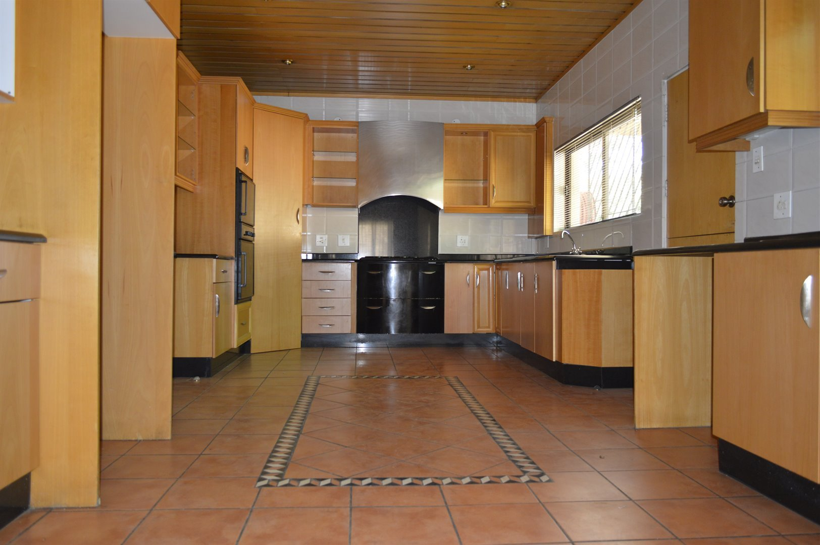 Laudium property for sale. Ref No: 13469790. Picture no 2