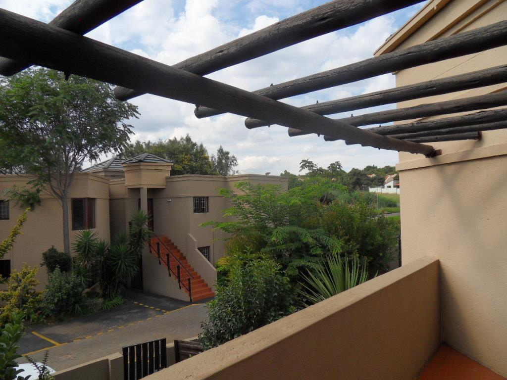 Johannesburg, Glenvista Property  | Houses For Sale Glenvista - Page 4, Glenvista, Townhouse 2 bedrooms property for sale Price:698,000