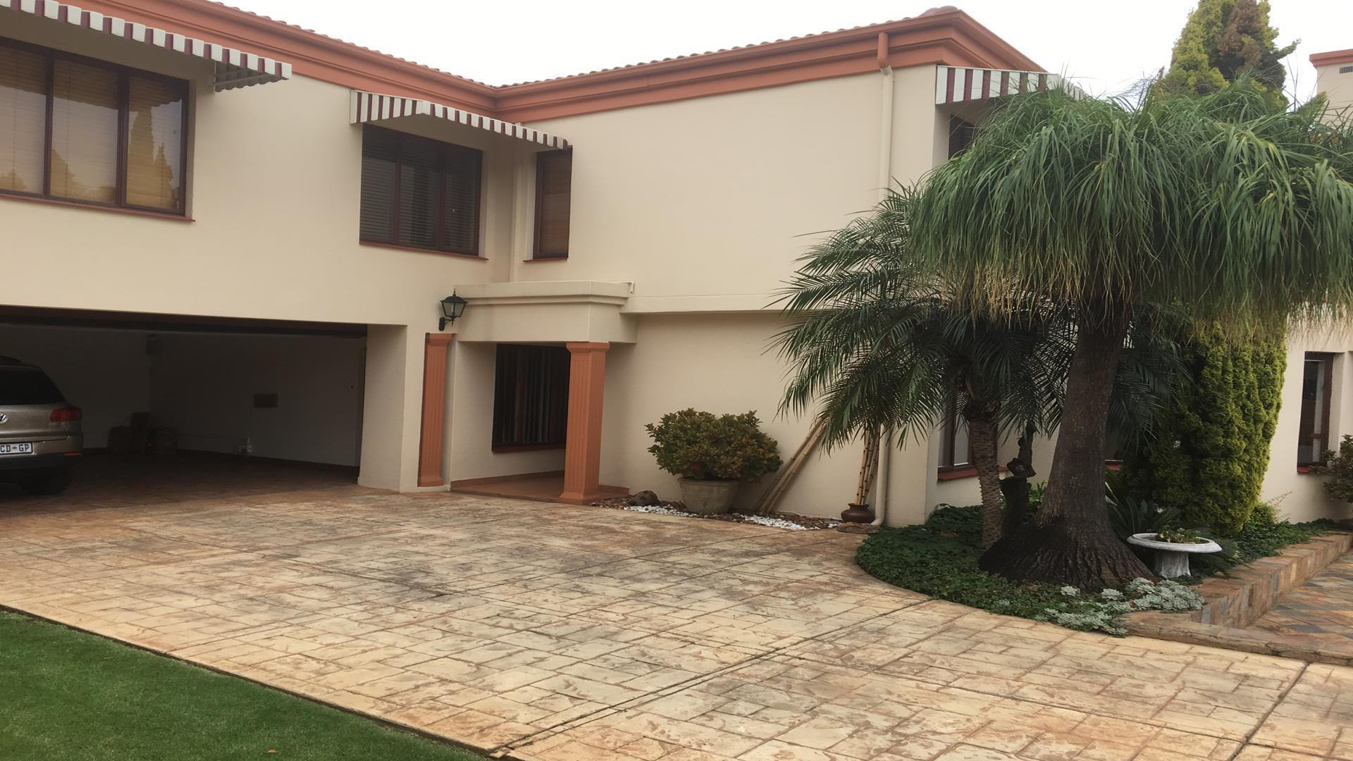 Property and Houses to rent in Centurion Golf Estate, House, 4 Bedrooms - ZAR , 22,00*,M