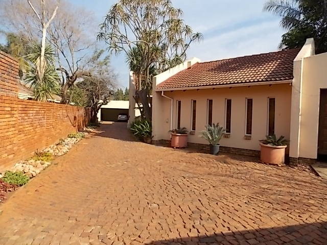Property and Houses for sale in Karenpark, House, 3 Bedrooms - ZAR 1,290,000