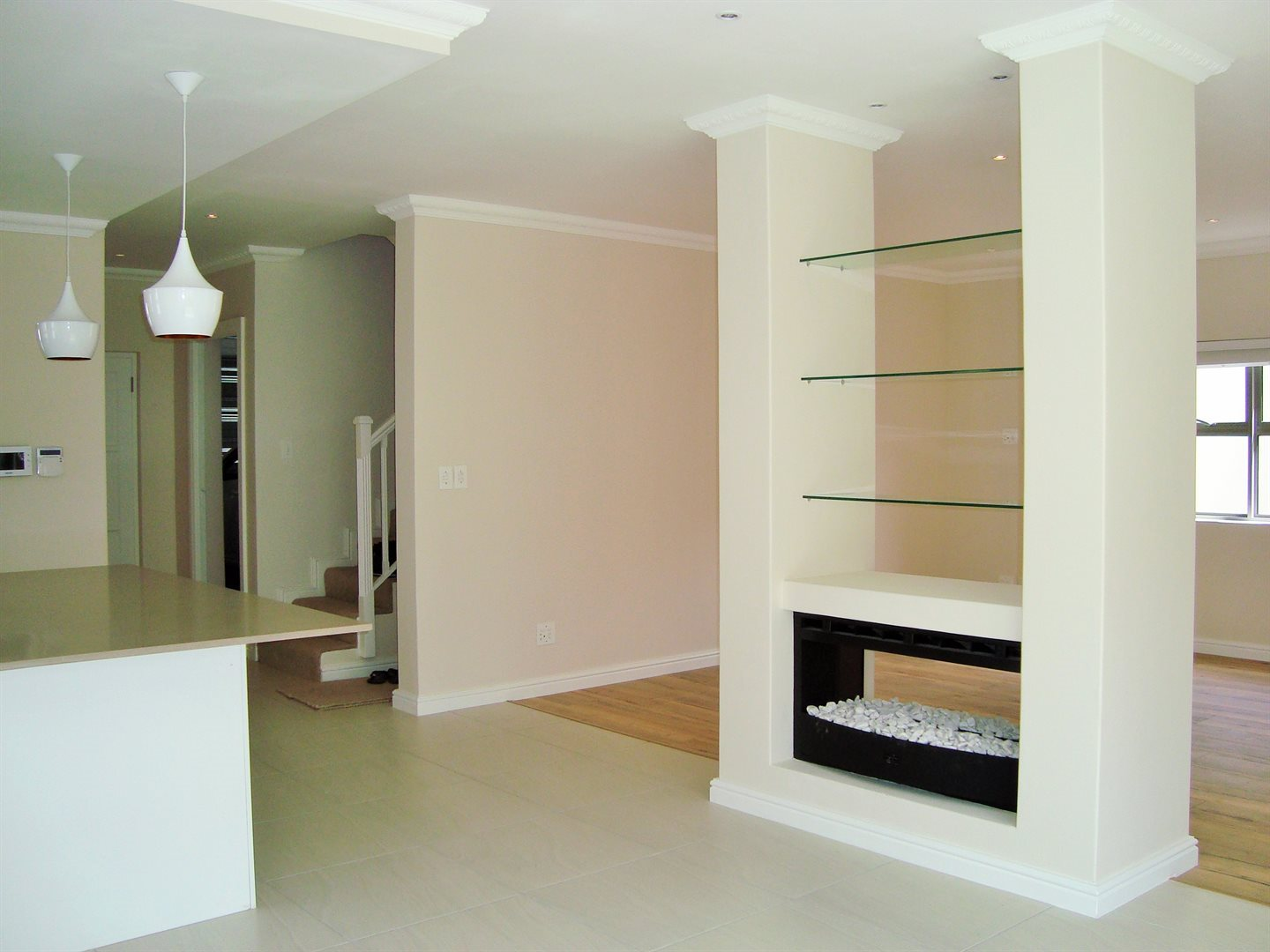 Claremont property to rent. Ref No: 13575482. Picture no 5