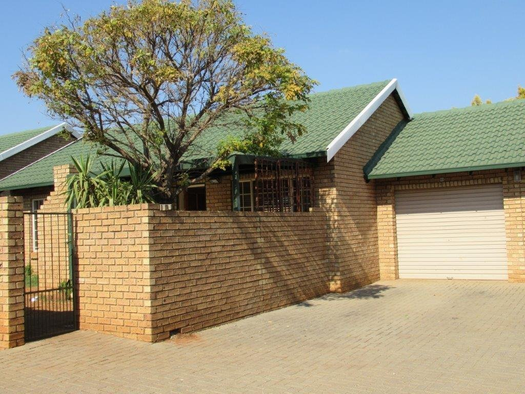 Centurion, Highveld Estate Property  | Houses To Rent Highveld Estate, Highveld Estate, Townhouse 2 bedrooms property to rent Price:,  8,00*