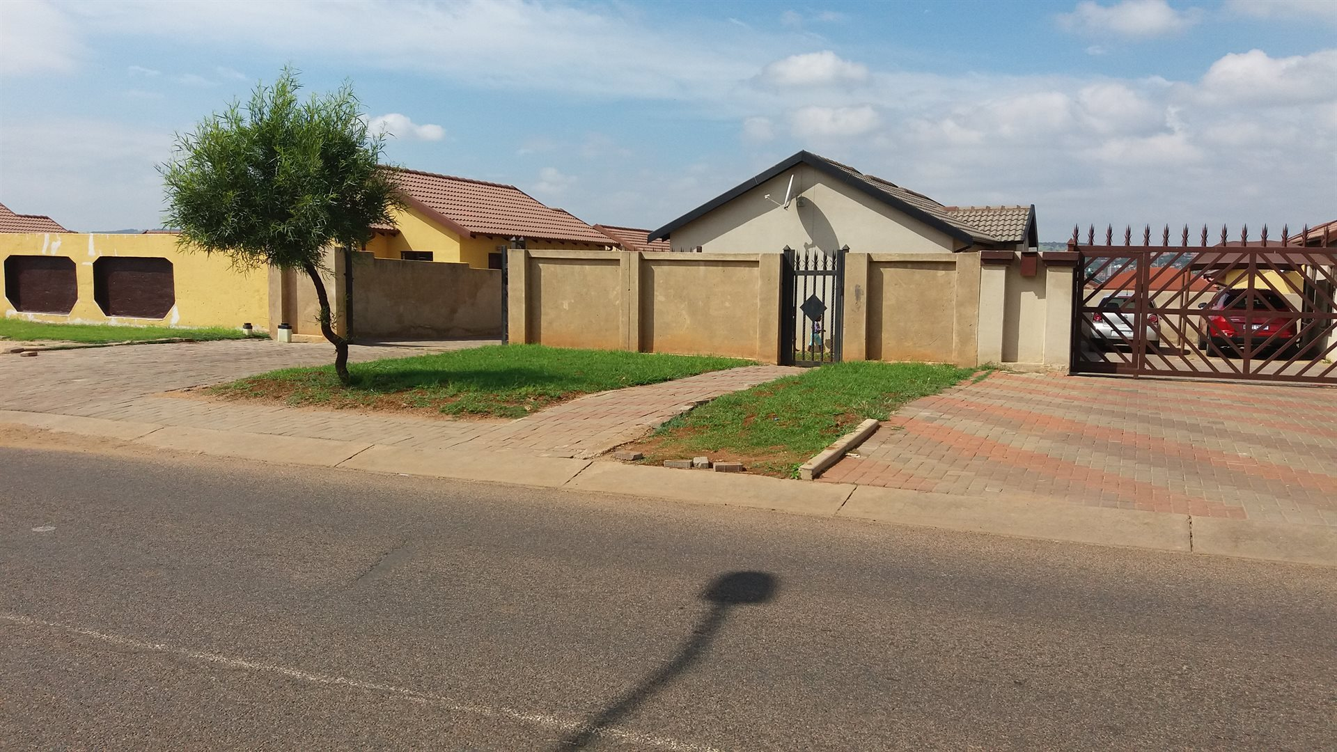 Property and Houses for sale in Elandspoort, House, 3 Bedrooms - ZAR 690,000