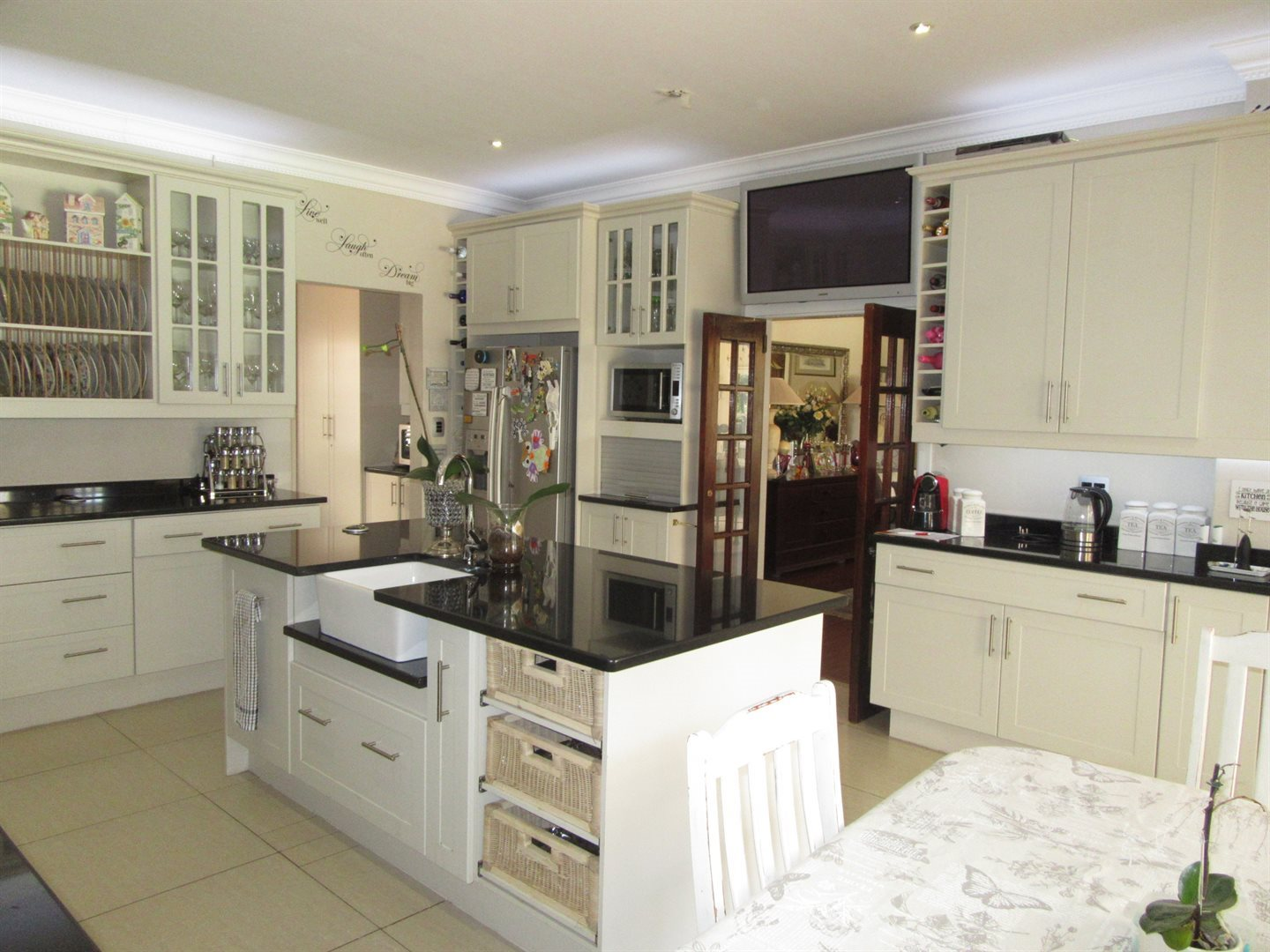 Bryanston property to rent. Ref No: 13553051. Picture no 11