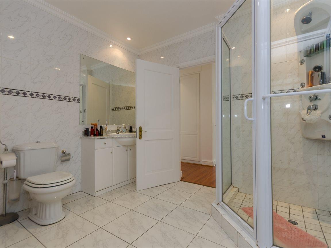 Bryanston property for sale. Ref No: 13418612. Picture no 21
