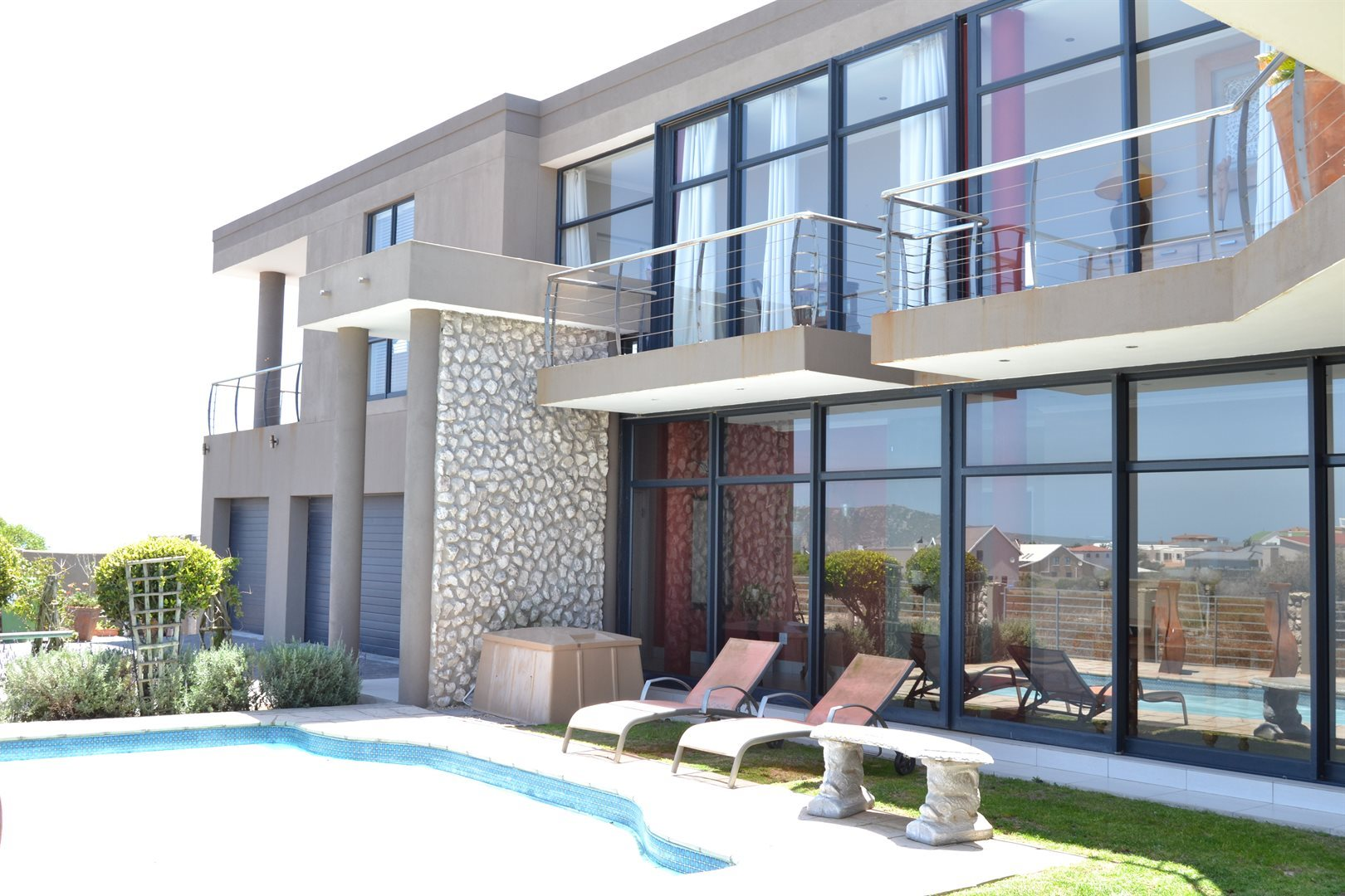 Myburgh Park property for sale. Ref No: 13561637. Picture no 37