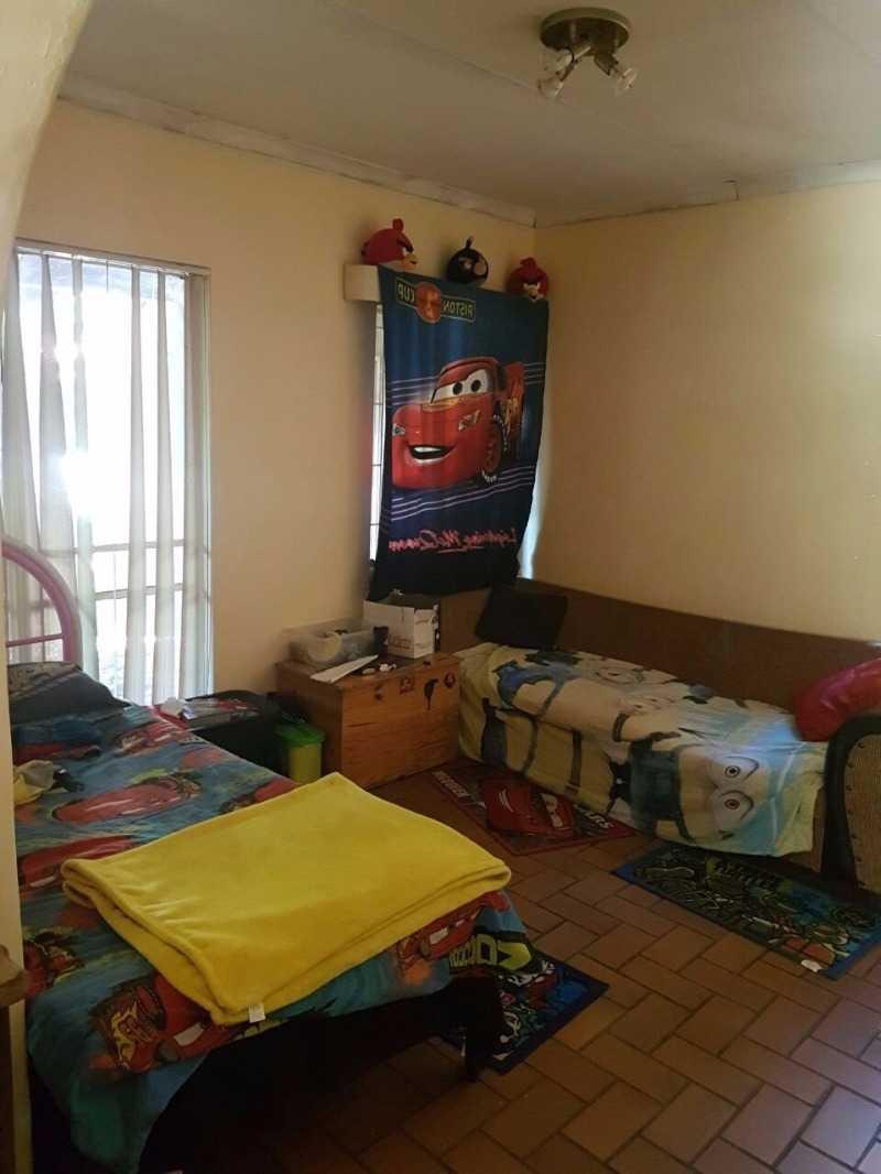 Dorandia property for sale. Ref No: 13567181. Picture no 9