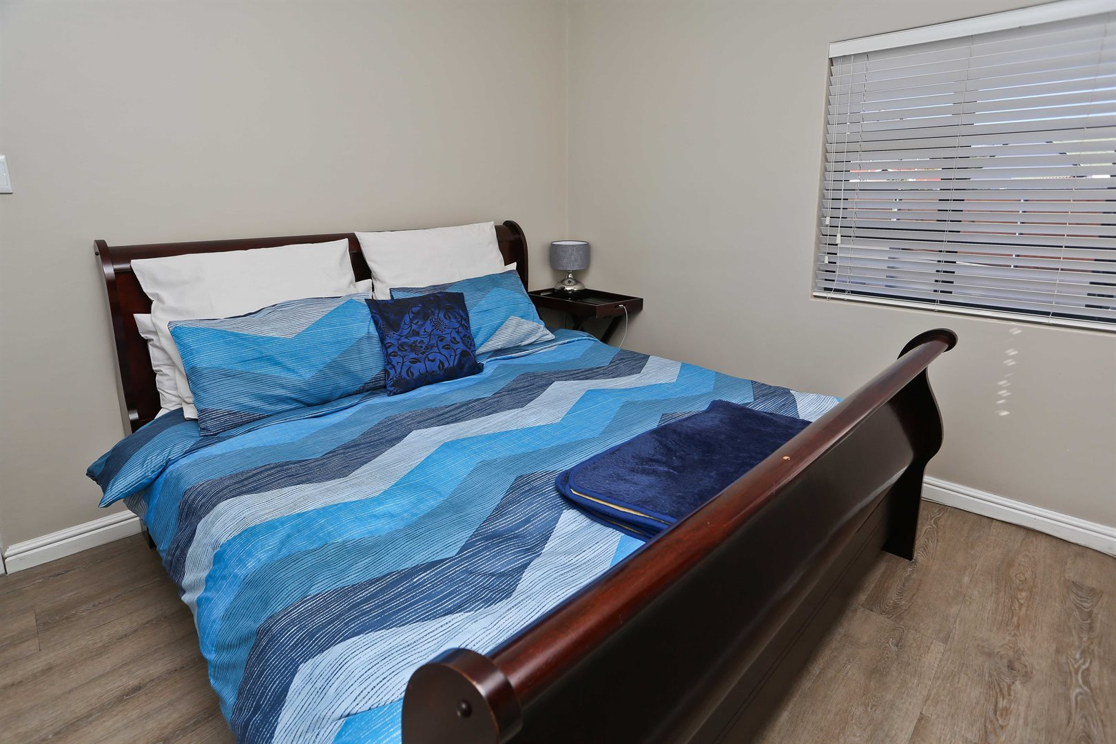 Plumstead property for sale. Ref No: 13581245. Picture no 14