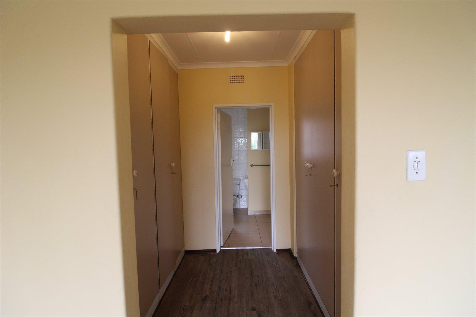 Bryanston property for sale. Ref No: 13552406. Picture no 25