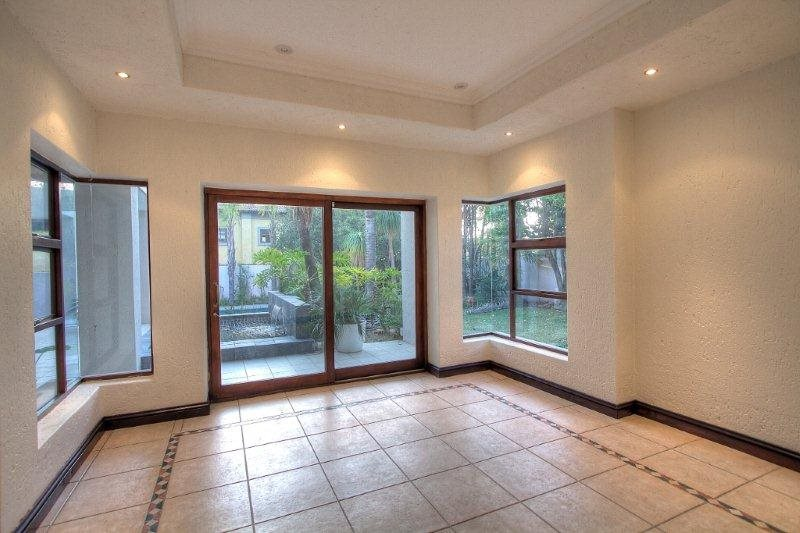Fourways Gardens property for sale. Ref No: 13401246. Picture no 5