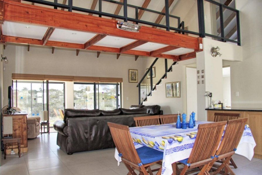 Shelley Point property for sale. Ref No: 13523608. Picture no 3