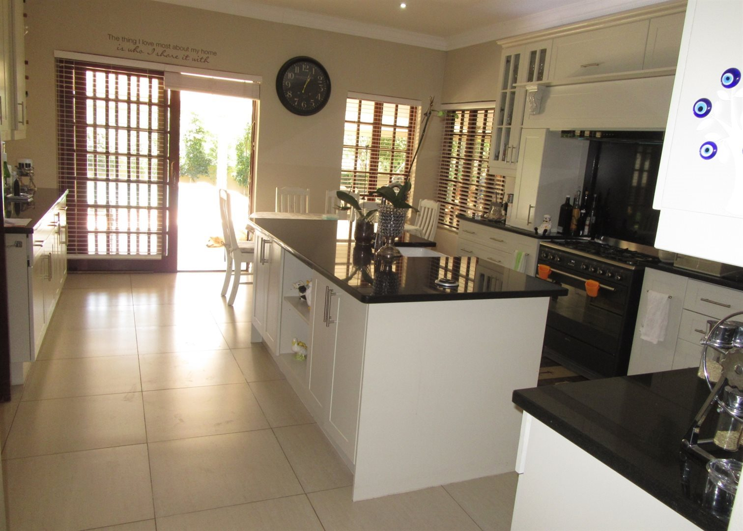 Bryanston property to rent. Ref No: 13553051. Picture no 10