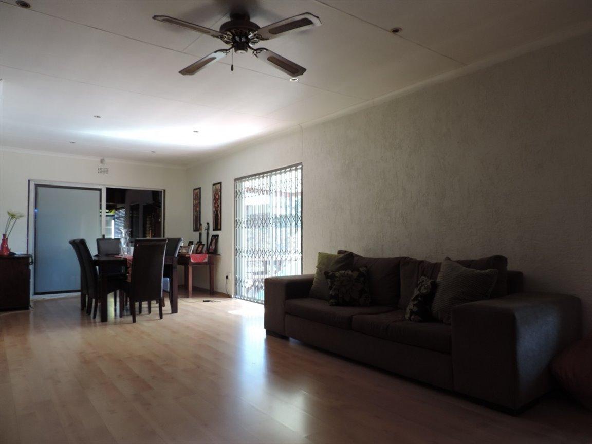 Arcon Park property for sale. Ref No: 12761384. Picture no 21