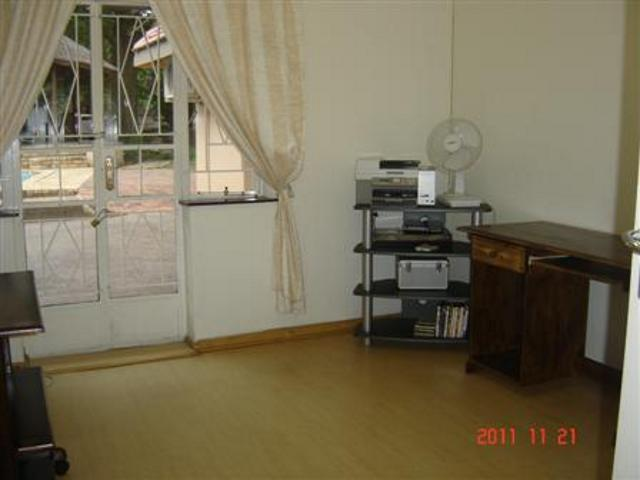 Peacehaven property for sale. Ref No: 13270789. Picture no 12