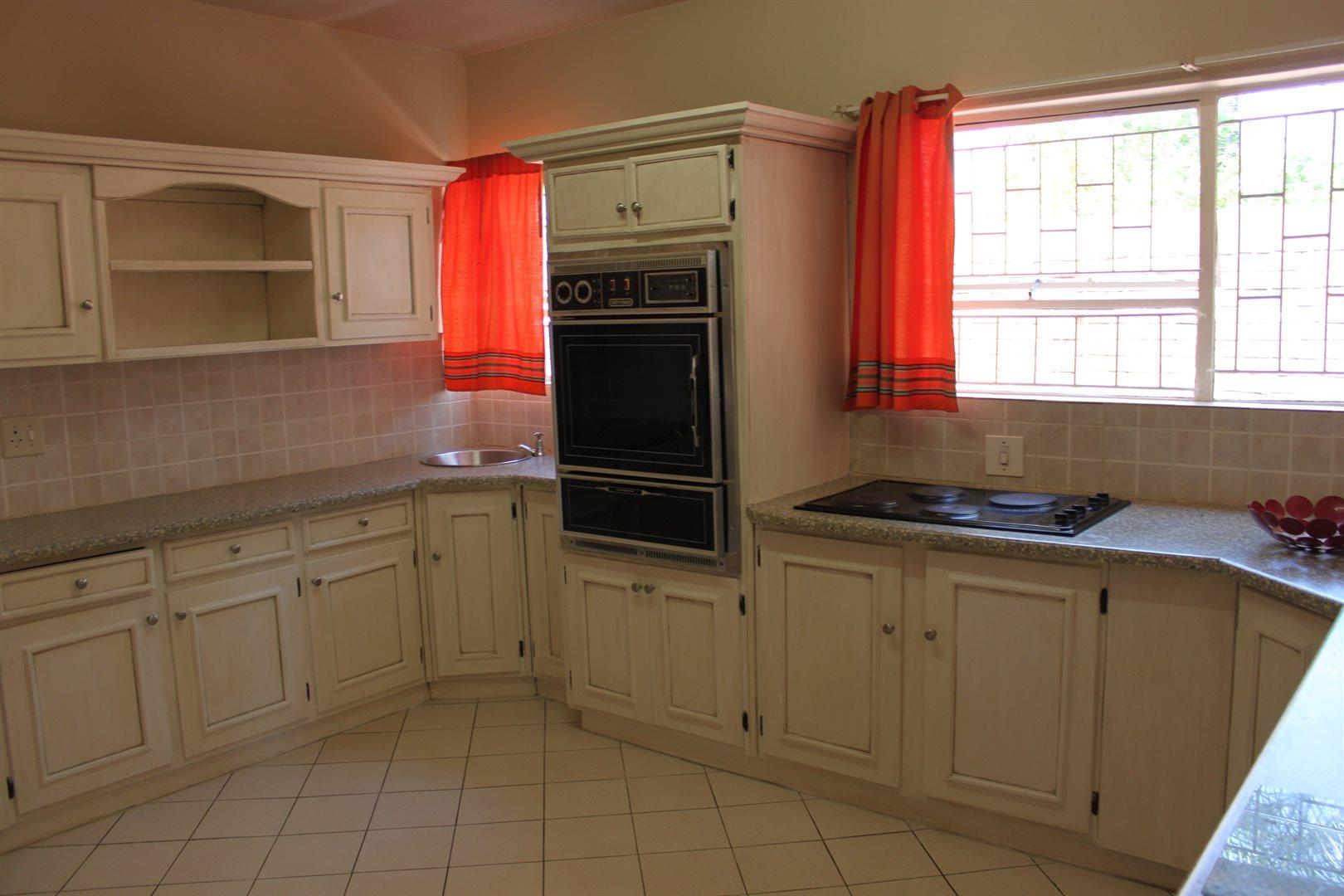 Waterkloof Ridge property to rent. Ref No: 13539553. Picture no 8