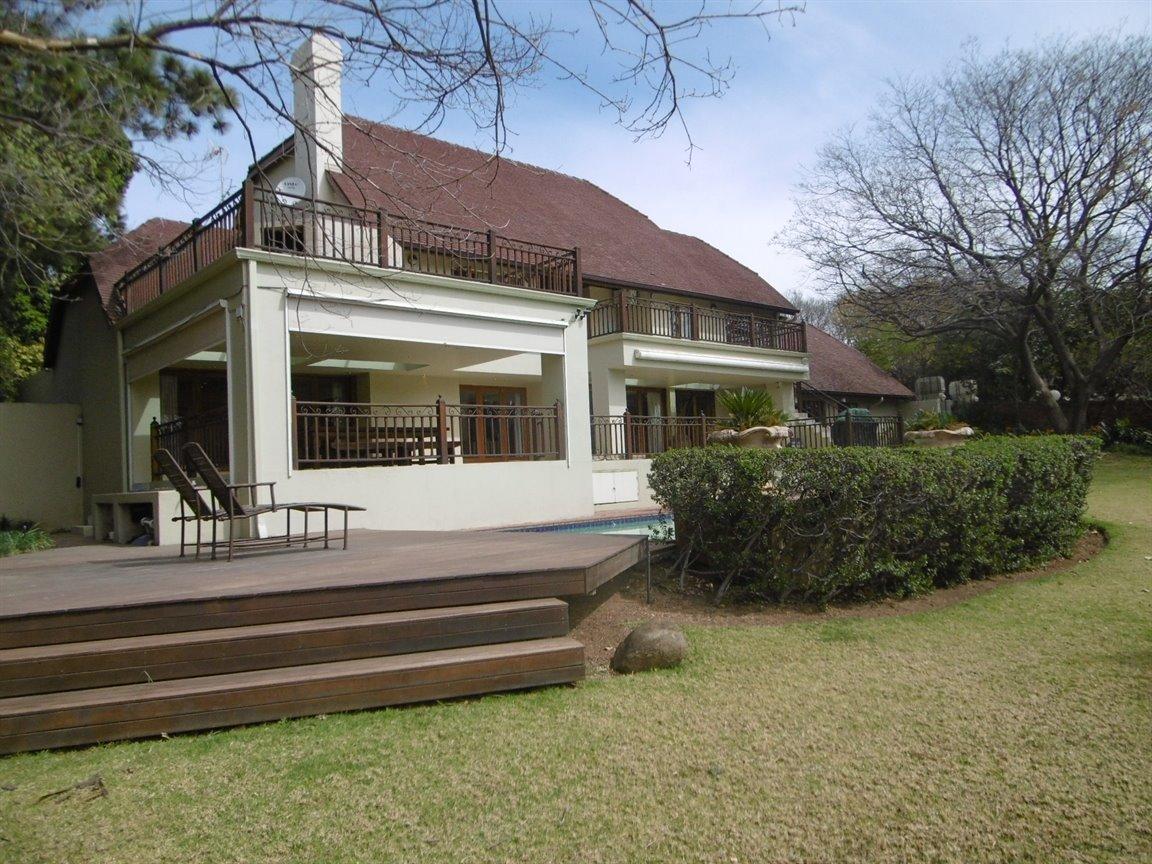 Bryanston property for sale. Ref No: 13389969. Picture no 28