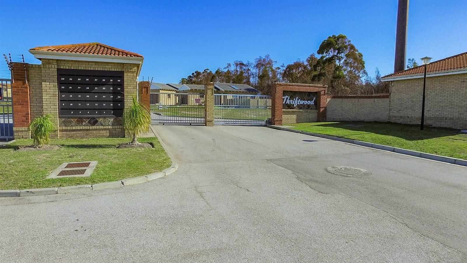 Port Elizabeth, Sherwood Property  | Houses For Sale Sherwood, Sherwood, Townhouse 2 bedrooms property for sale Price:850,000